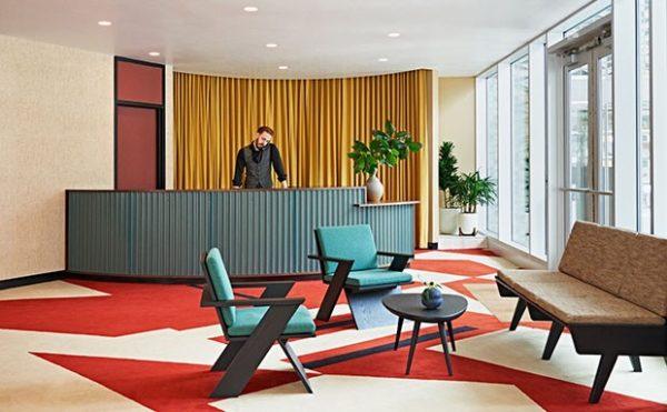 Hotel ocupa e restaura edifício modernista nos Estados Unidos