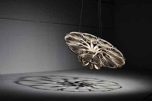 Os móveis-escultura de Joseph Walsh